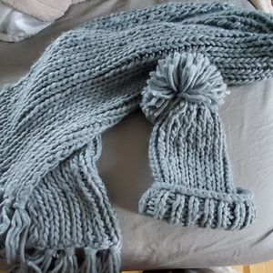 Oversized scarf and hat set